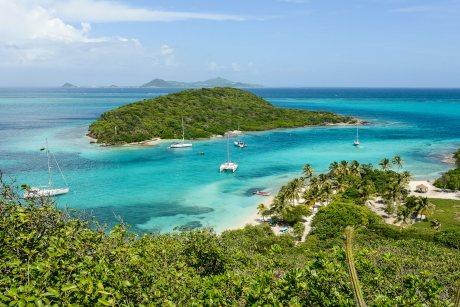 Martinik, Svatá Lucie a Grenadiny